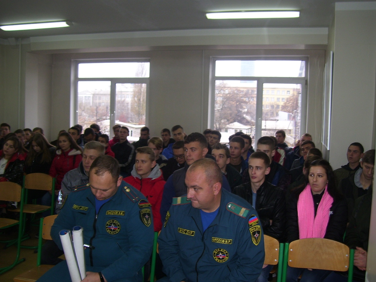 13 ноября 2019 г., в гостях у студентов и преподавателей Донецкой академии транспорта были представители Народной Дружины и МЧС ДНР